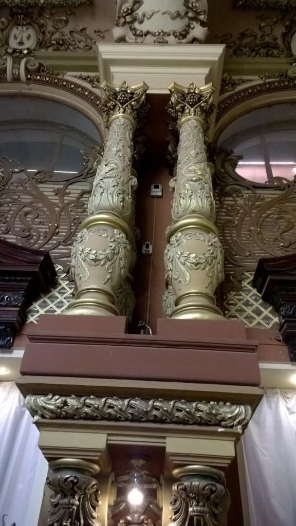 Beautiful artwork on the pillars